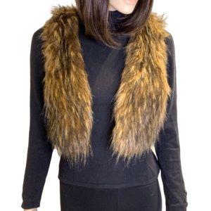 Forever 21 Faux Fur Vest Size Medium